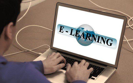 Plataforma oferece cursos online de aperfeiçoamento profissional