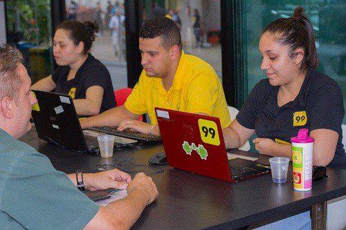 Empresa abre 250 vagas de trabalho em diversas áreas