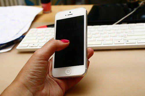 Posso usar o celular no trabalho?