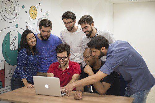 Locaweb recruta profissionais de diversas áreas