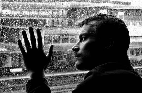 Conheça os hábitos que estão sabotando a sua autoestima