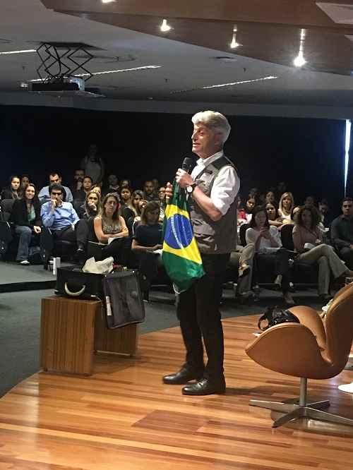 Photo of Com Dráuzio Varella e Caco Barcelos, Vivo promoveu a semana de bem-estar