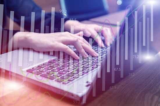 Na educação, o online não é virtual, é real