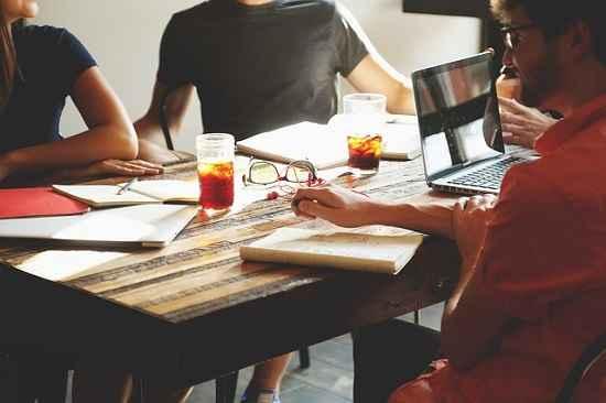 Profissionais estão investindo recursos próprios para manter a competitividade