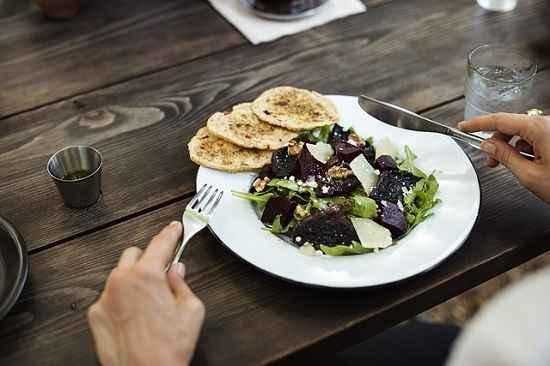 Trabalhar perto de casa possibilita ter uma alimentação mais saudável