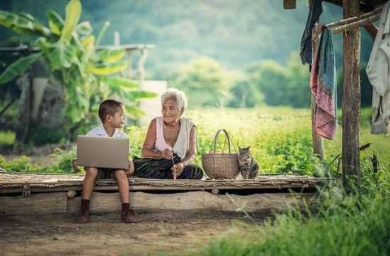 FGV alerta sobre o acesso de crianças à internet