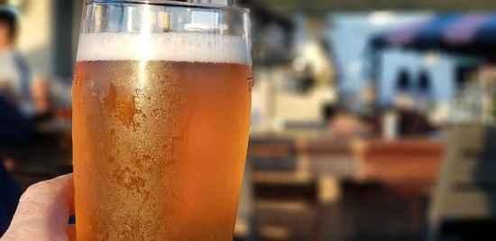 Empresas já liberam cerveja durante o expediente