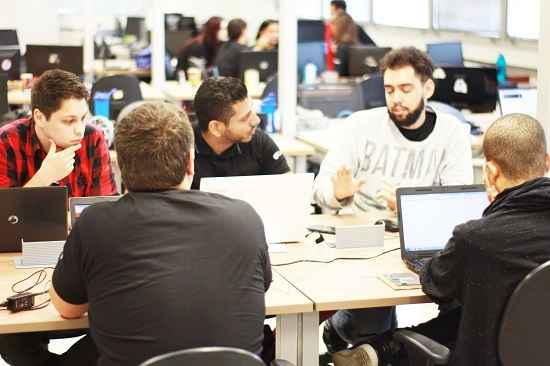 Photo of Empresas de TI investem em código de cultura para melhorar performance de colaboradores