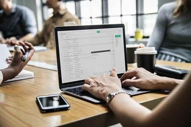 Como a tecnologia revoluciona o mercado de trabalho