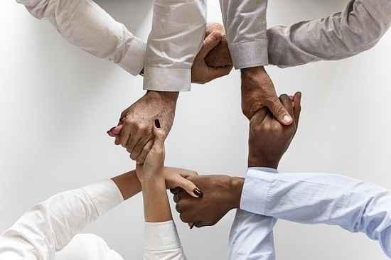 Photo of Trabalho em equipe pode aumentar em até 64% o desempenho dos funcionários