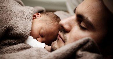 Bayer oferece políticas e benefícios que ajudam a conciliar paternidade e carreira