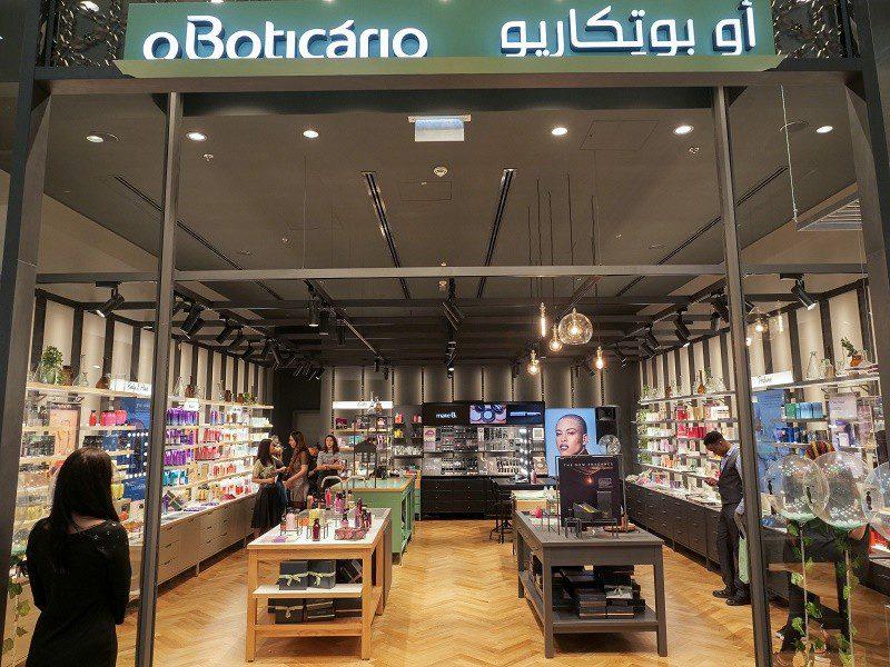 Dubai: O Boticário abre loja no maior shopping do mundo