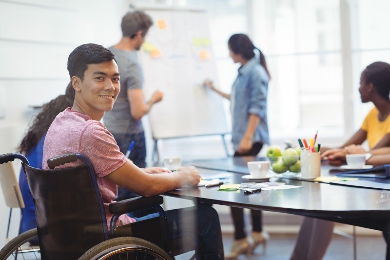 Contratação de pessoas com deficiência bate recorde após fiscalização do Trabalho