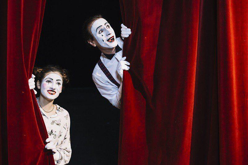 3 dicas para aproveitar ingressos de teatro com desconto