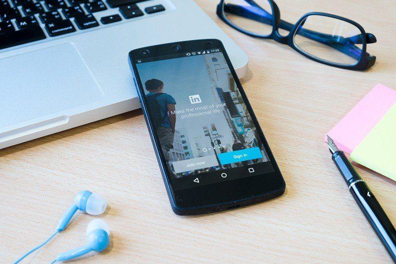 LinkedIn é um dos aliados na hora da recolocação profissional