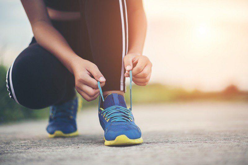 A caminhada ajuda a emagrecer.