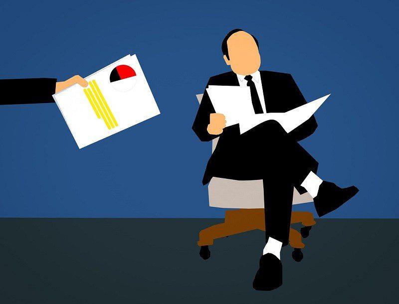 Currículo: 58% dos recrutadores olham primeiro o campo de experiência profissional