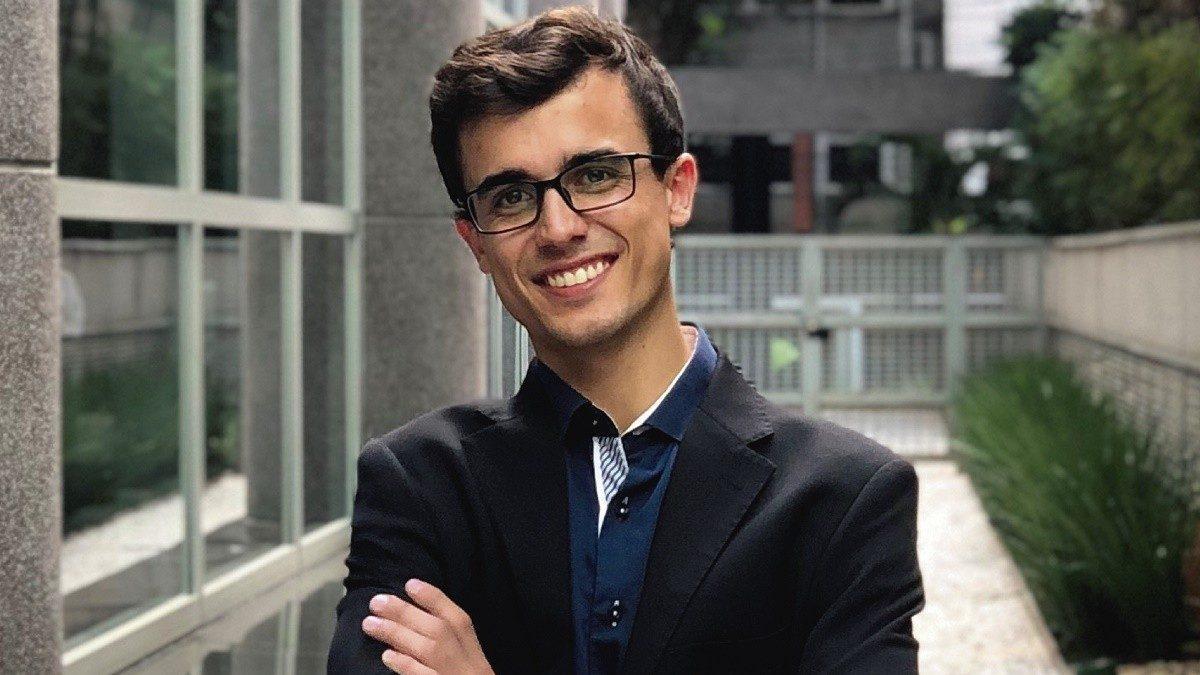 Jovem brasileiro pode se tornar CEO por um mês de uma das maiores empresas de RH do mundo