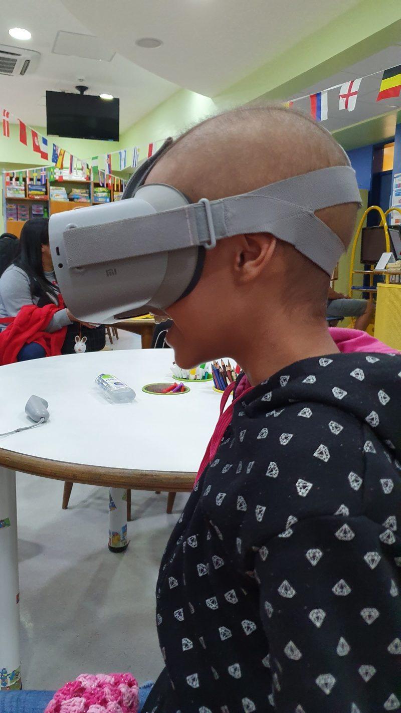 Realidade Virtual transforma a vida de crianças com câncer do GRAACC