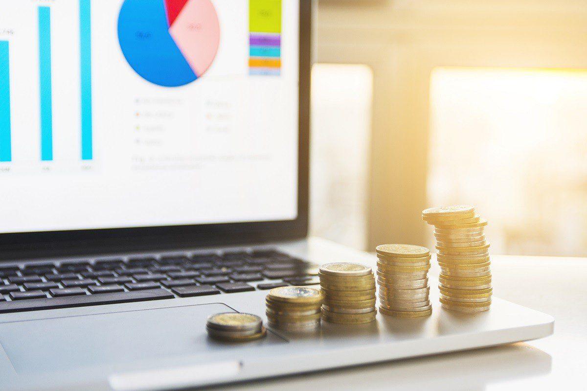 Professor da FGV explica onde investir com corte da Selic