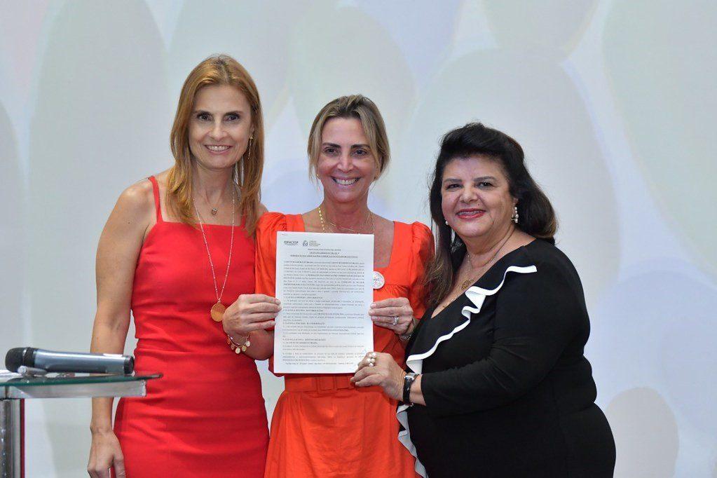 Luiza Helena Trajano e Beatriz Mendes Gonçalves Pimenta Camargo são homenageadas com Prêmio Tarsila do Amaral