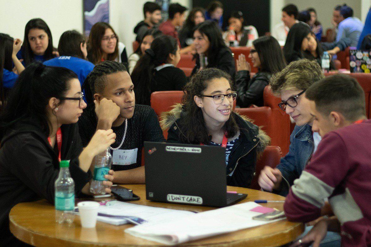 Junior Achievement Americas e IBM lançam Start Up Challenge para treinar 4.600 estudantes na América Latina